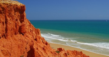 Single parent family holidays in Portugal