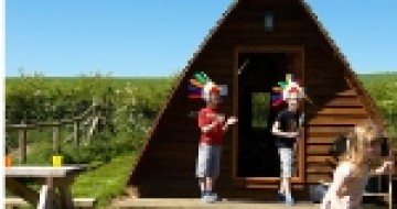UK family breaks | Wigwam holidays UK | single parent wigwam holiday |glamping uk kids