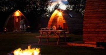 Single parent holidays in Northumberland | Family wigwam holiday UK | glamping in the uk