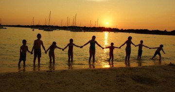 Menorca Family Holidays | Single With Kids
