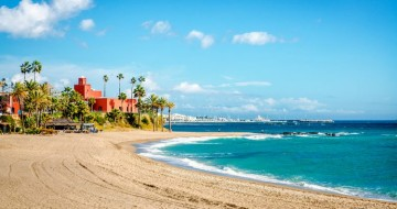 Cheap holidays in Benalmadena | For small families