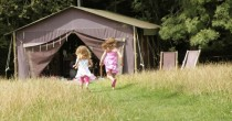 glamping england | single parent holidays | glamping in england | glamping in the UK | single with kids | single parent holidays | glamping holidays in england | glamping with kids | lone parent holidays | glamping UK | camping with kids |